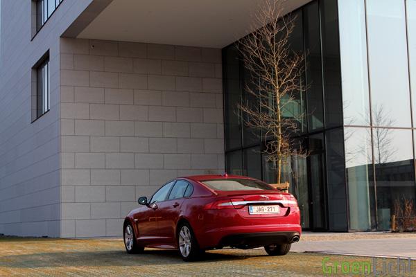 Rijtest - Jaguar XF R-Sport 01