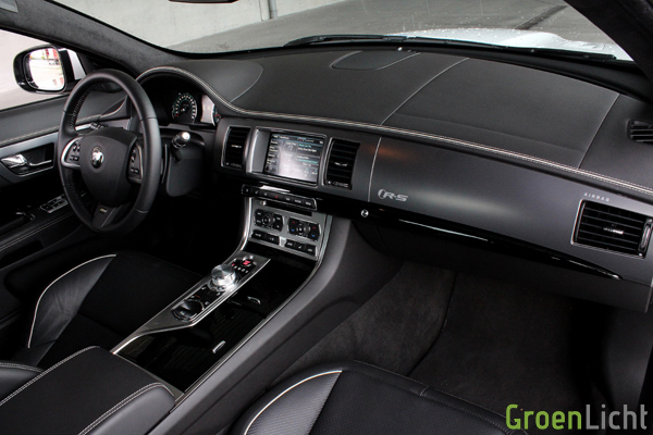 Rijtest - Jaguar XFR-S Rijtest - Review 18