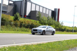 Rijtest - Jaguar XJR 30