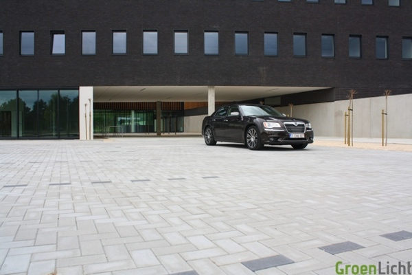 Rijtest Lancia Thema 2012