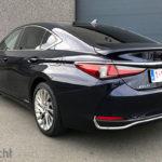 Rijtest Lexus ES300h Privilege Line Hybrid 218 pk (2019)
