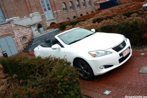 Rijtest Lexus IS250C