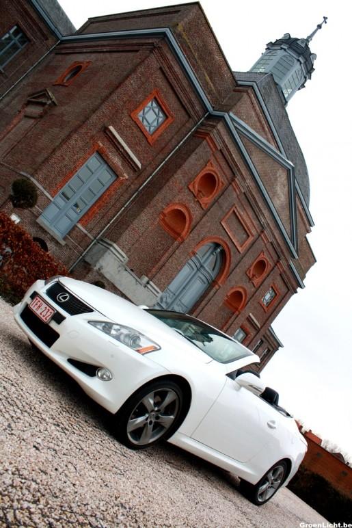 Rijtest Lexus IS250C 11