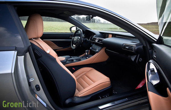 Rijtest: Lexus RC 300h Privilege