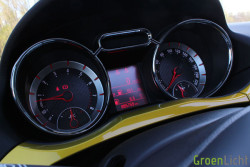 Rijtest - Opel Adam Rocks 06