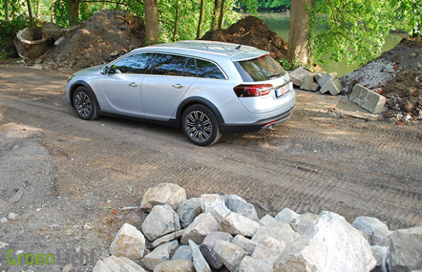 Rijtest Opel Insignia Country Tourer 2013 2.0 Turbo 4x4 08
