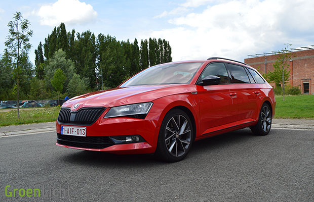 rijtest skoda superb combi 2 0 tsi sportline 2016. Black Bedroom Furniture Sets. Home Design Ideas