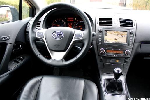 Rijtest Toyota Avensis Interieur