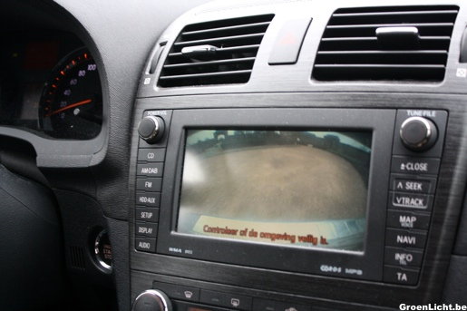 Rijtest Toyota Avensis Achteruitrijcamera