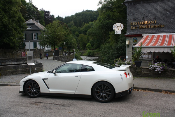 Roadtrip Nissan GT-R MY 2012
