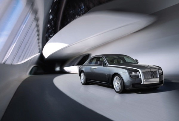 Rolls-Royce-Ghost-Side