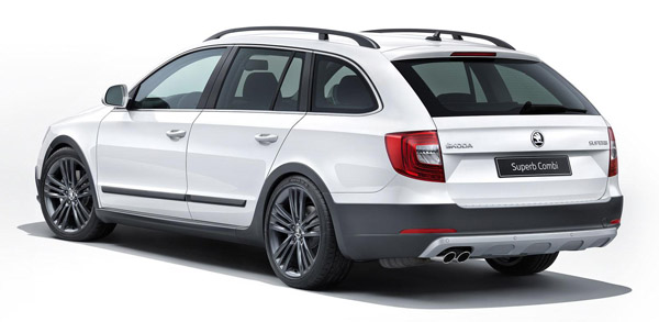 Skoda Superb Combi Outdoor achter