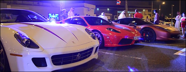 Video: Supercars verzamelen in Qatar