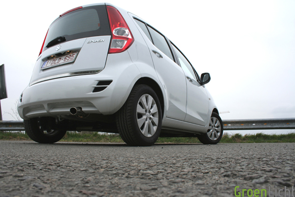 Suzuki Splash 2013 test (14)