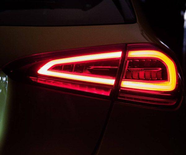 Teaser: Mercedes-AMG A45 (2018)