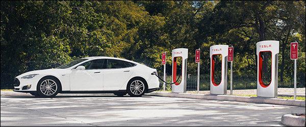 Tesla opent nieuwe Supercharger in Aarlen