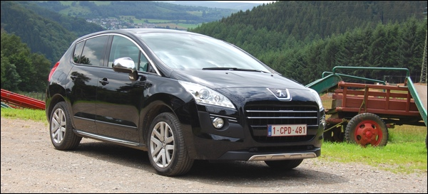 Rijtest Peugeot 3008 Hybrid4