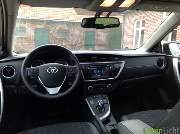 Toyota-Auris-21