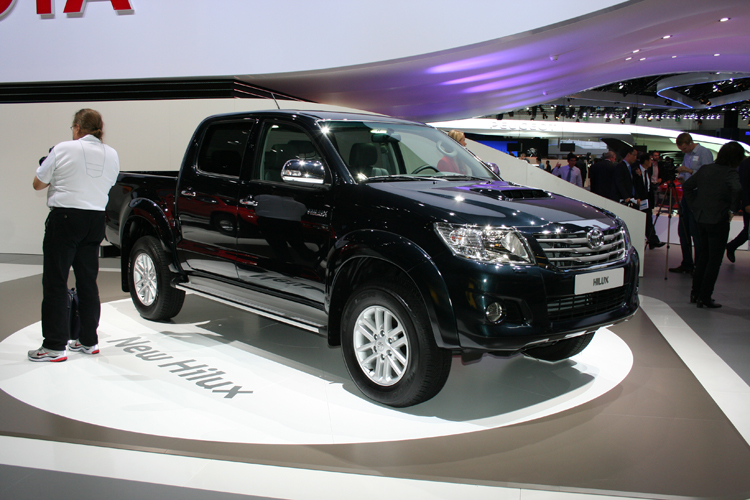 2015 Ford Everest Vs 2014 Isuzu Mu X New Ford Cars 2015 2015