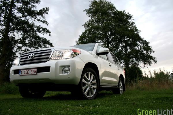 Rijtest Toyota Land Cruiser V8 2012