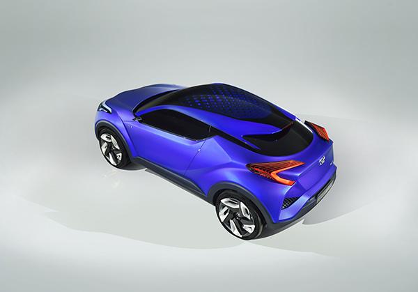 Toyota_C-HR_001