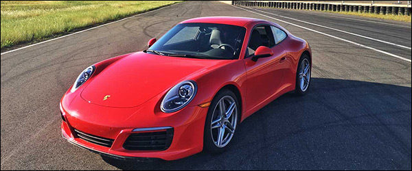 Video: Motor Trend test de Porsche 911 (991.2) Carrera