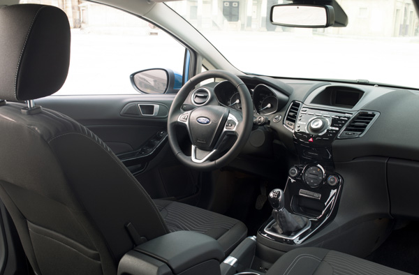 ford fiesta interieur