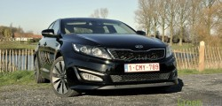 kia optima still 2