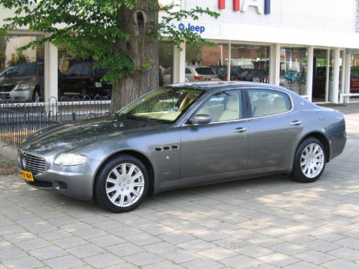 Maserati Quattroporte Zijaanzicht