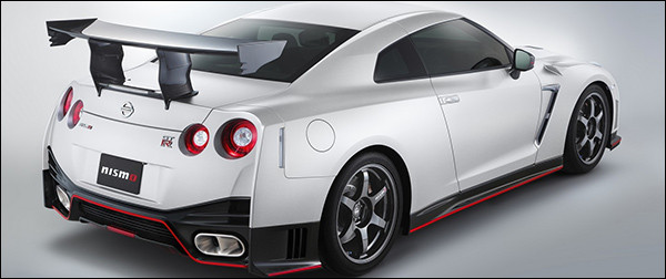 nissan-gt-r-nismo-n-attack