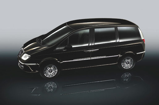 Nuovo Lancia Phedra Facelift