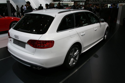 Parijs: Audi S4 Avant