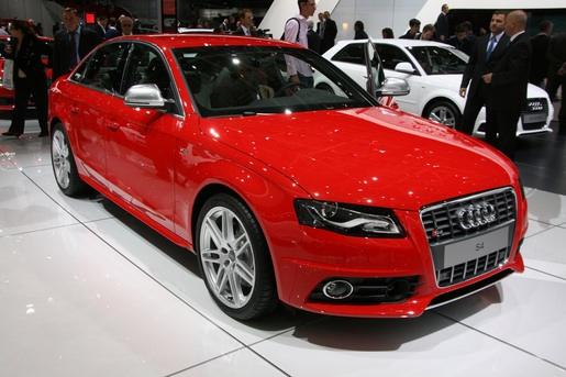 Parijs: Audi S4 Sedan
