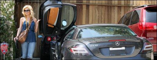 Paris Hilton SLR McLaren Zwart