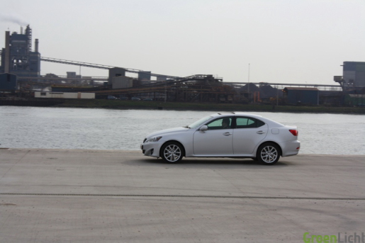 rijtest Lexus IS200d