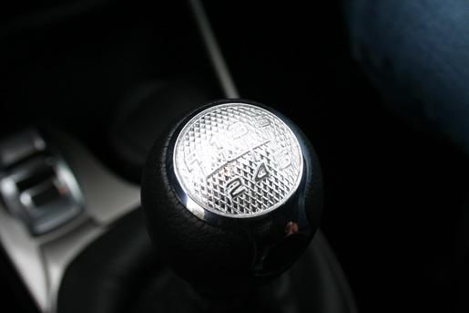 Alfa Romeo MiTo rijtest versnellingspook