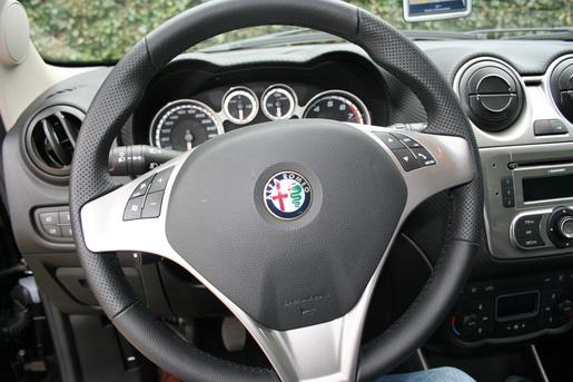 Alfa Romeo MiTo rijtest Interieur
