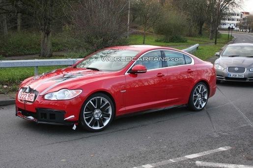 Spyshots: Jaguar XF-R