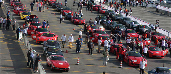 Video: Ferrari Tribute Mille Miglia 2015