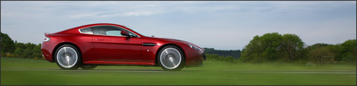 Wallpaper: Aston Martin V12 Vantage Magma Red