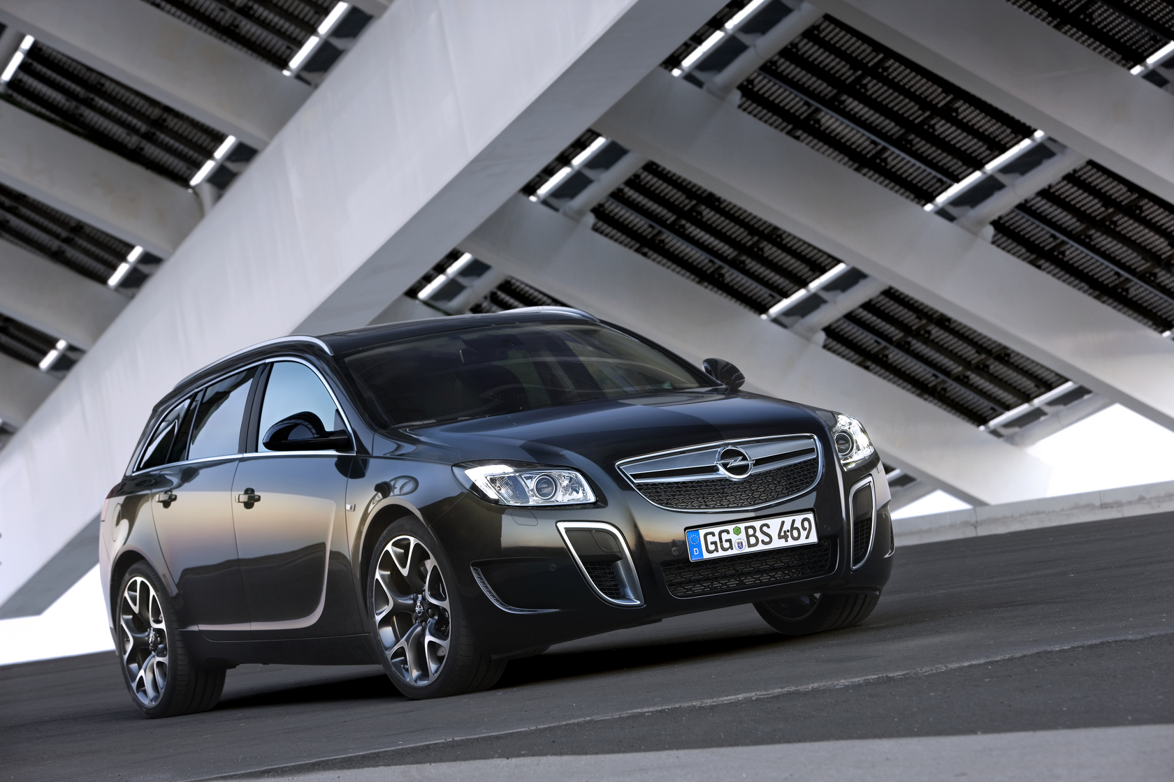 Opel Insignia OPC Sports Tourer Auto Wallpapers GroenLicht.be